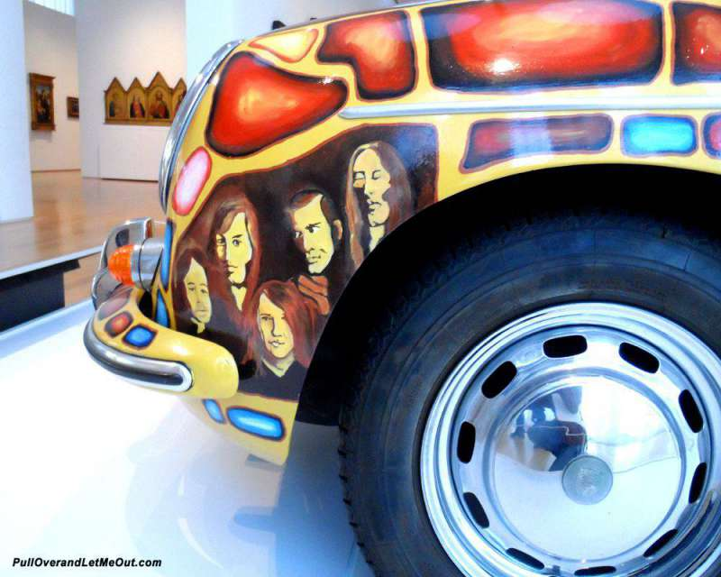 Porsche-with-Giotto-in-back