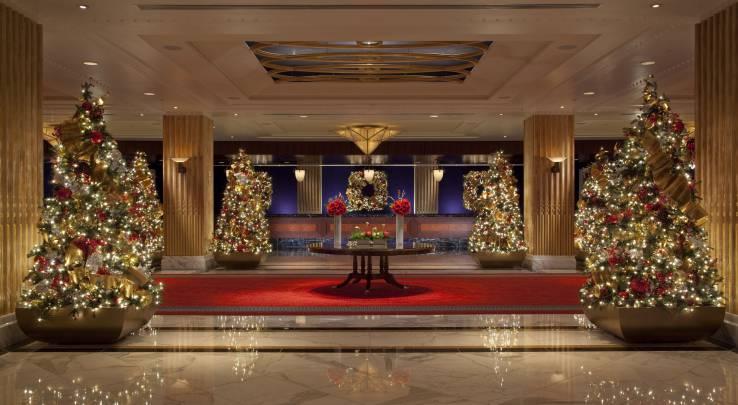 GaylordNational - Christmas Lobby Decor