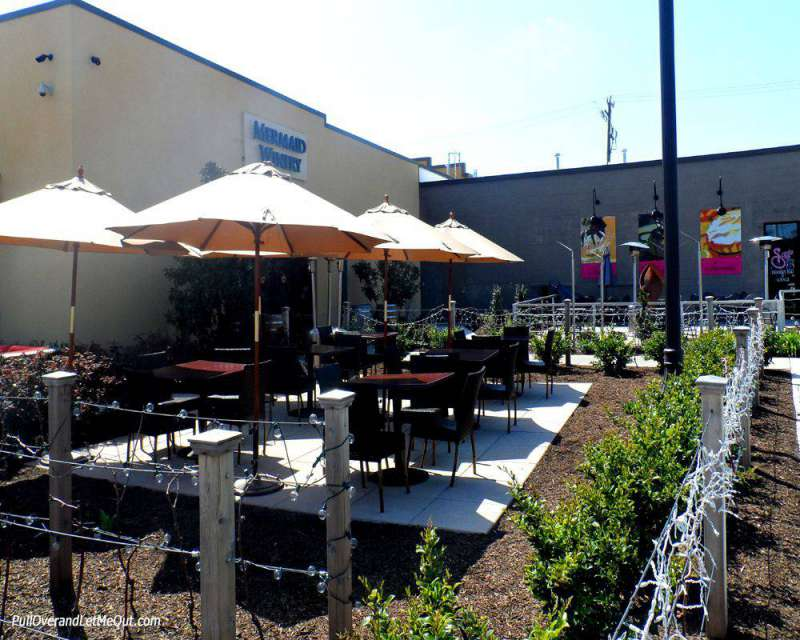 Outdoor seating at Mermaid Winery in Norfolk, VA