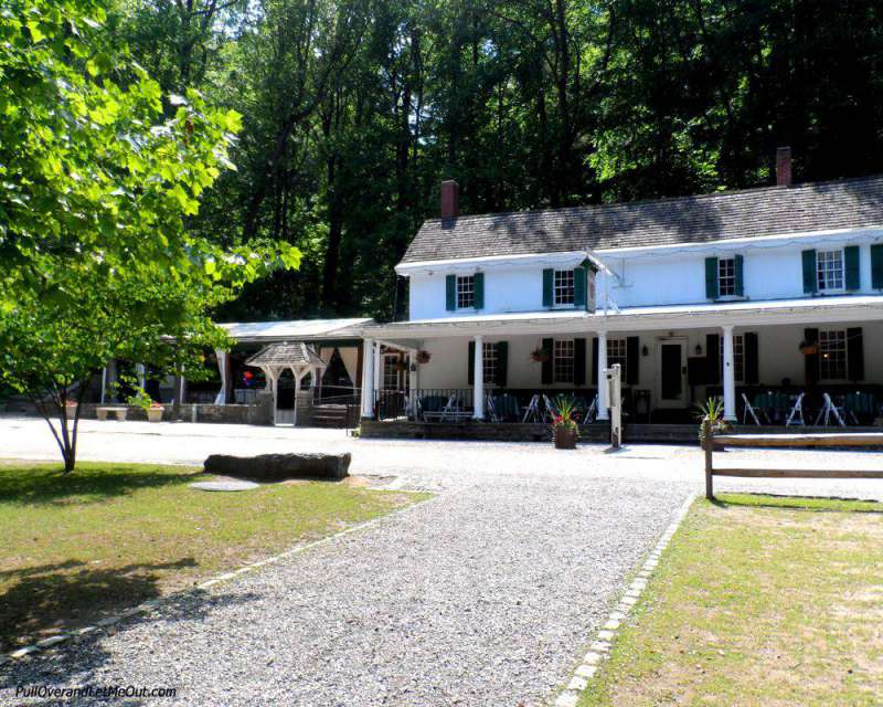 exterior of the Valley Green Inn in Philadelphia PullOverAndLetMeOut