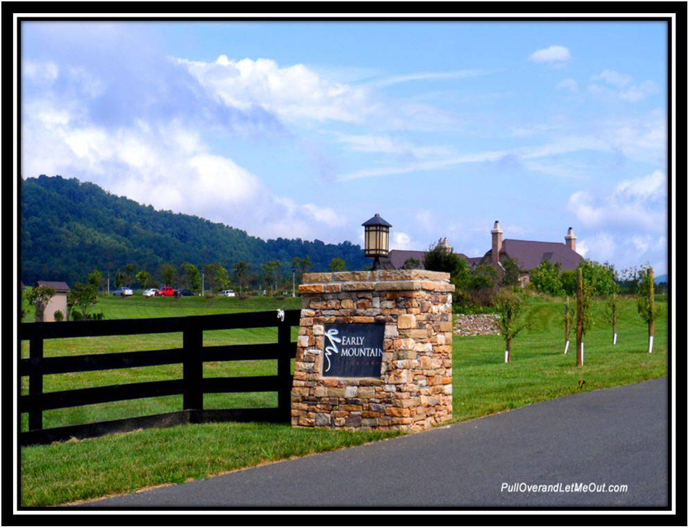 Entrance gate to Early Mountain Vineyards in Madison Virginia