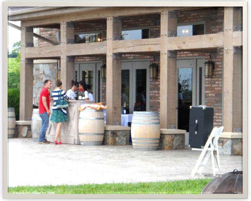 people ordering wine at Early Mountain Vineyards