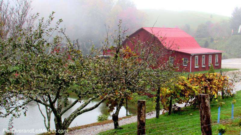 A red barn at Linville Falls Winery