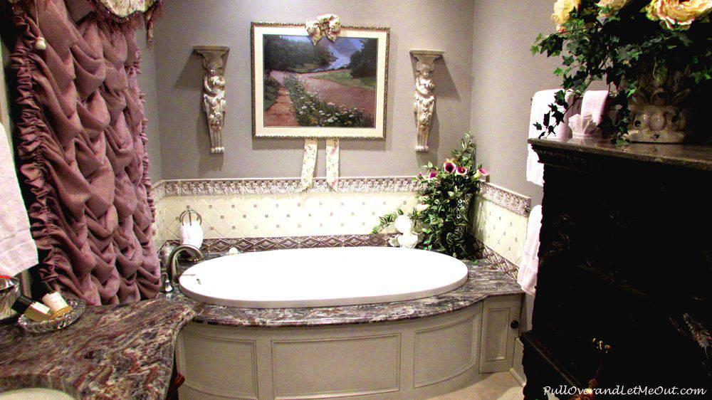 lavandar-tub-The-Caroline-H