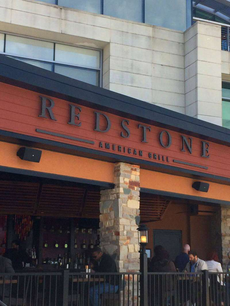 Five things you 39 ll love about national harbor for Redstone grill