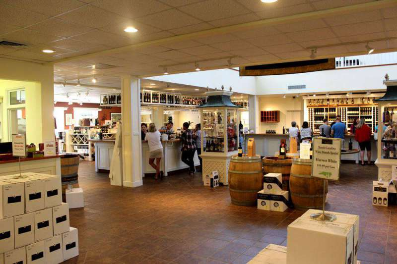 Shelton-Vineyards-store