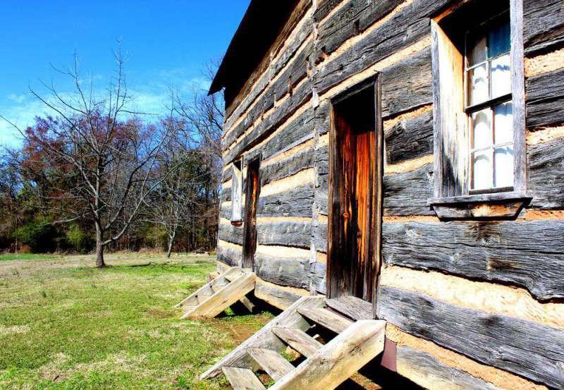 entrance-to-Polk-home
