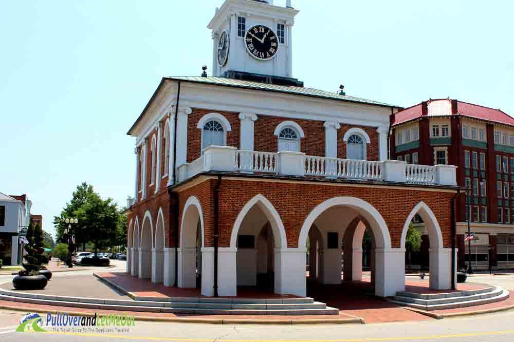 Fayetteville-Market Fayetteville, NC PullOverandLetMeOut
