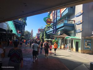 CityWalk-Moe's-Orlando-PullOverandLetMeOut