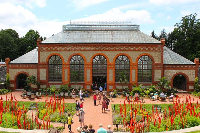 Biltmore-Chihuly-conservatory-PulloverAndLetMeOut