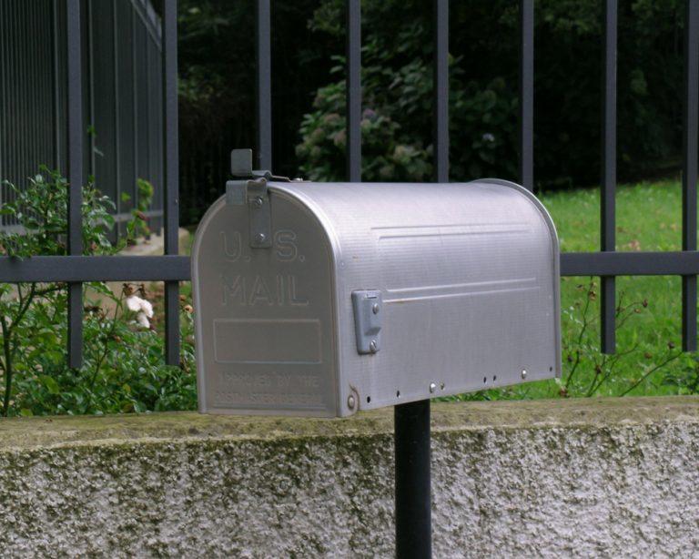 Mailbox PullOverAndLetMeOut