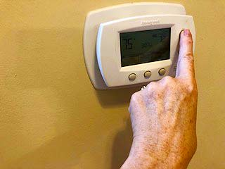 Thermostat Prepare House For Summer Vacations PullOverAndLetMeOut