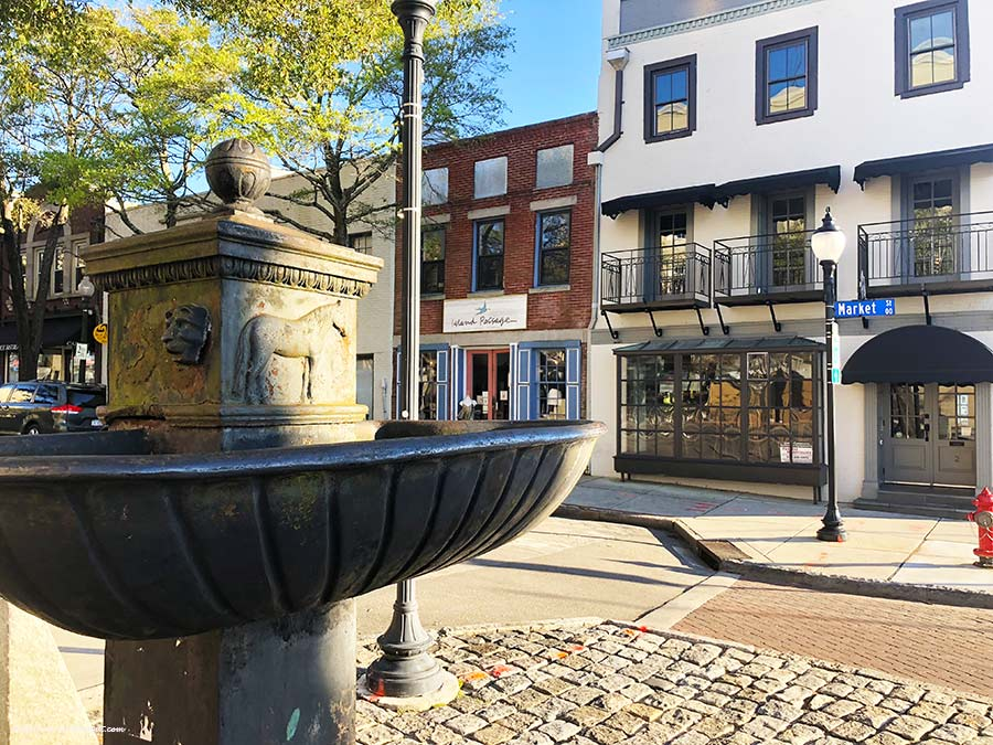 Water-street-fountain-Wilmington-PullOverAndLetMeOut