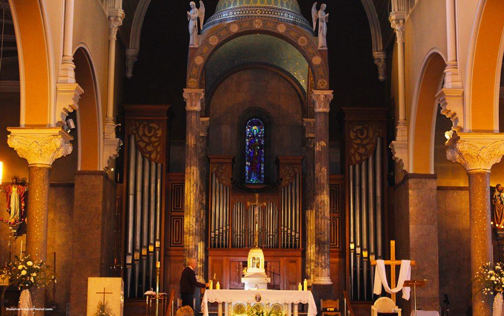 Whitefriars-Church-altar-Dublin-Ireland-PullOverAndLetMeOUt