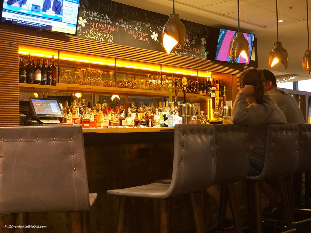 41Hundred-bar-area-Ren-Raleigh-Midtown-North-Hills-PullOverAndLetMeOut