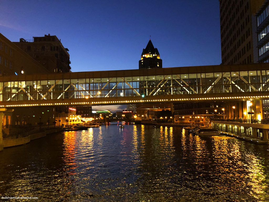 Milwaukee River at sunset. PullOverAndLetMeOut