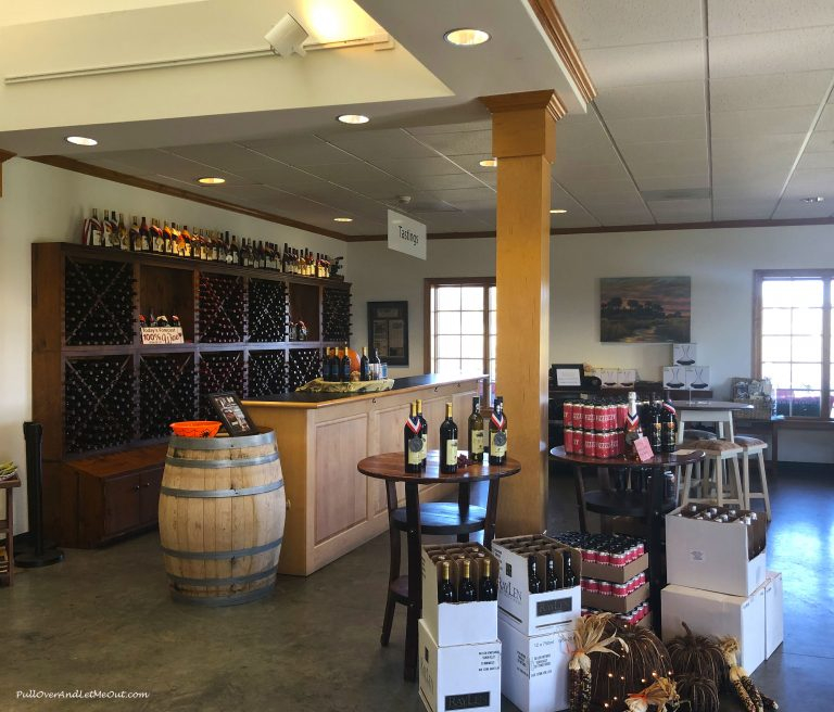 Tasting Room at RayLen Vineyards & Winery PullOverAndLetMeOut
