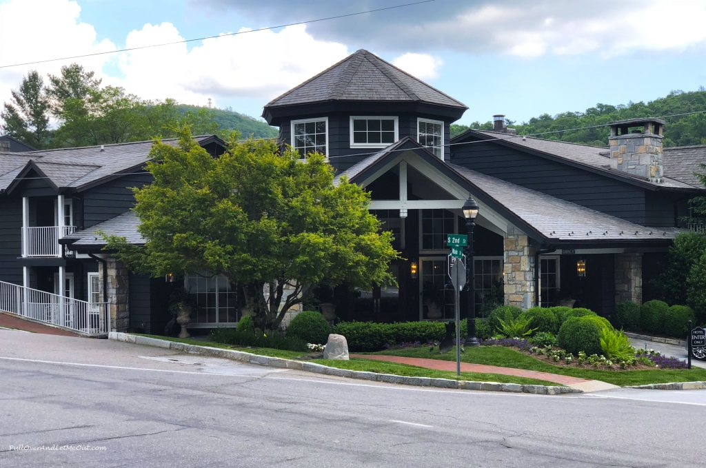 200 Main Hotel in Highlands, NC PullOverAndLetMeOut