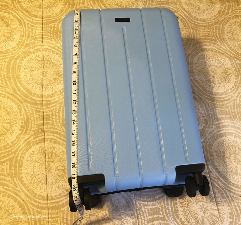 Tape measurement of suitcase