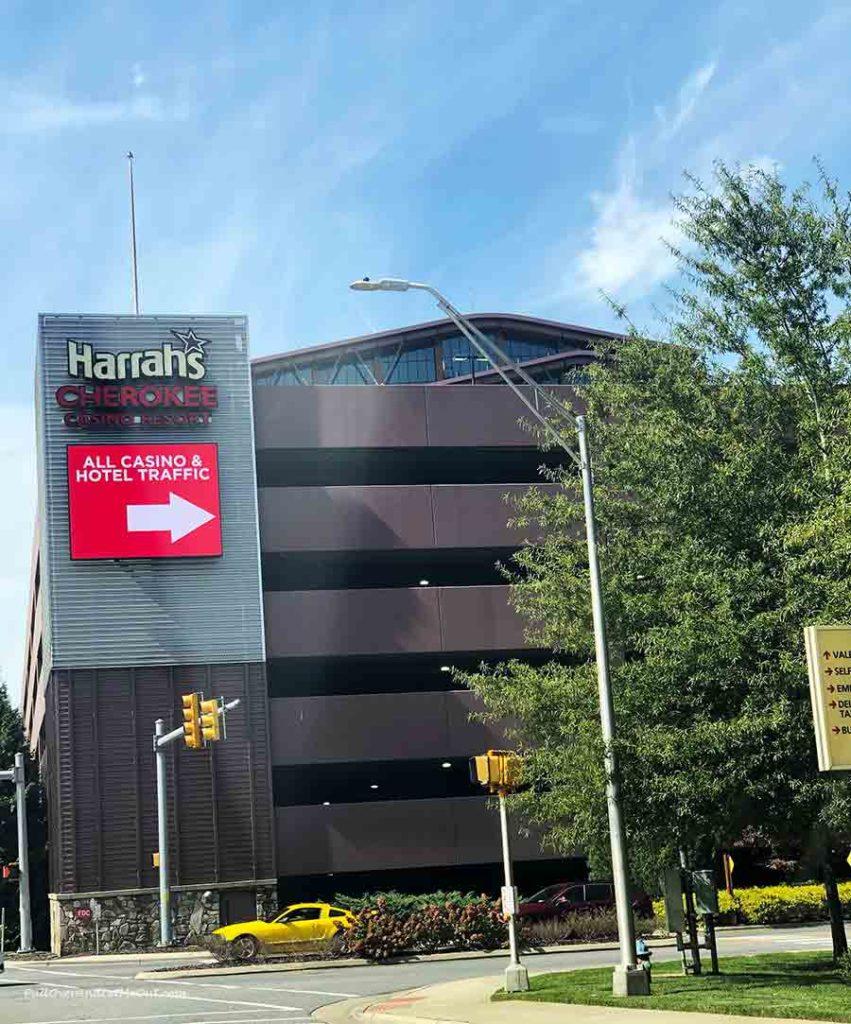 sign for Harra's Cherokee Casino Resort PullOverAndLetMeOut