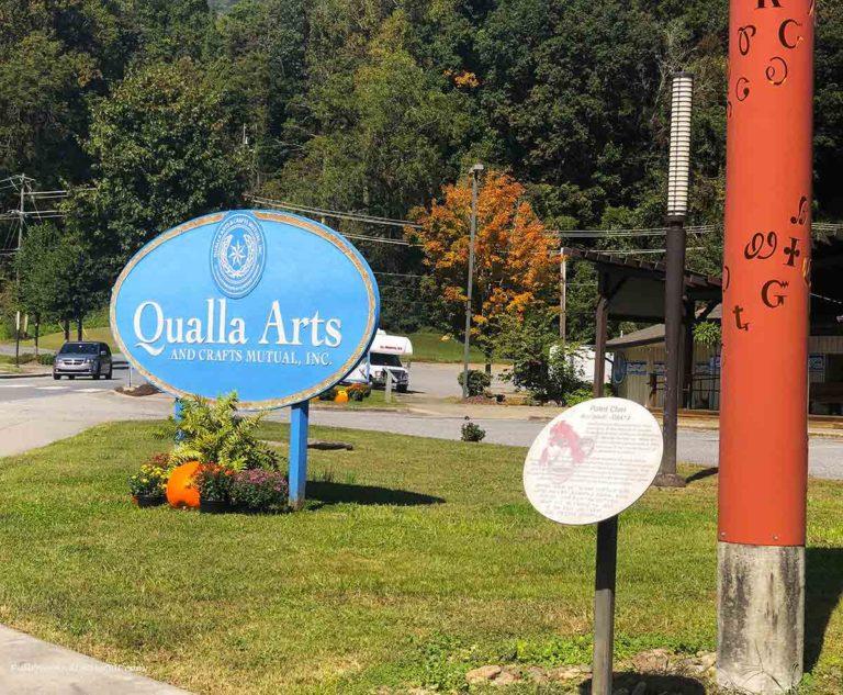 sign at teh Qualla Arts Center